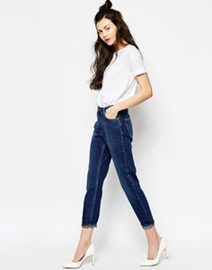 How amazing are these jeans? I would love to wear them with a loose t-shirt, a pair of black heels and a biker jacket for a casual going out look. Then add some edgy earrings and rings and a colourful lipstick. Find them here: http://www.asos.com/Monki/Monki-Kimomo-Mum-Denim-Jean/Prod/pgeproduct.aspx?iid=4766455&cid=2623&sh=0&pge=0&pgesize=36&sort=-1&clr=Blue&totalstyles=588&gridsize=4&TTP=2