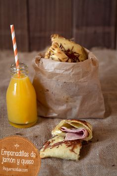 Una de las meriendas con mas éxito son las empanadillas caseras, normalmente preparamos empanadillas de atún, pisto, espinacas… Pero las empanadillas de jamón cocido y queso son las que más nos piden cuando nos ven con las manos en la masa.