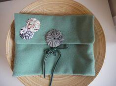 pochette en laine et coton par Fee Home, Etsy, €35,00