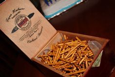 Havana Nights Party: Snacks in cigar boxes