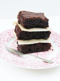 Fudgey Chocolate and Sticky Prune Brownies (vegan) - to hide the prunes from my constipated and fussy baby girl!