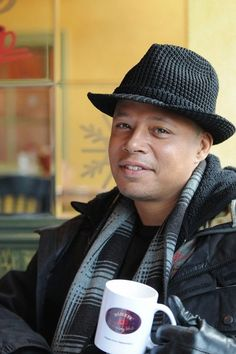 Terrence Howard Coffee Art, Hot Coffee, Little Cup, Coffee Drinkers, Seinfeld, In This Moment, Celebrities, Gorgeous Men, Celebs