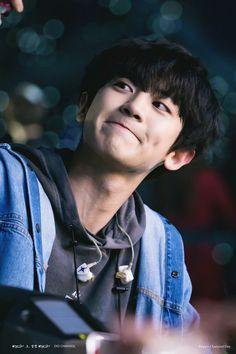 ( 찬열 - 214 score )🥇Chanyeol won gold medal so proud of you , congrats bby ! Baekhyun Chanyeol, Chanbaek, Chansoo, K Pop, Luhan And Kris, Exo 12, Kim Minseok, Xiuchen, Wattpad