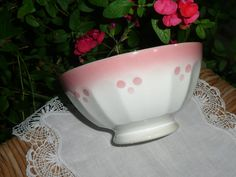 BOL ANCIEN ST AMAND A 18 FACETTES  ROSE ET BLANC  / OLD FRENCH  BOWL