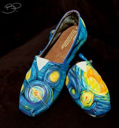 "wickedclothes: "" Custom TOMS These custom TOMS canvas shoes are inspired by Vincent van Gogh's Starry Night. Sold on Etsy. Vincent Van Gogh, Painted Toms, World Of Fashion, Women's Fashion, Fashion Trends, Juicy Couture, Fendi, At Least, Arts And Crafts"