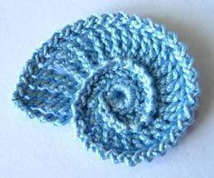 Seashell Crochet Applique | YouCanMakeThis.com