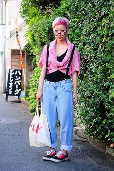 佐藤朱莉 Japanese Streets, Japanese Street Fashion, Vans Style, Light Colors, Vans Fashion, Street Style, How To Wear, Clothes, Outfits