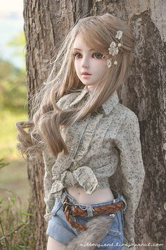 Ninon | It was so windy that day and her hair was all over t… | Flickr