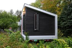 A Yestermorrow Design/Build Project - http://www.tinyhouseliving.com/yestermorrow-designbuild-project/