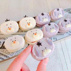 Instagram 上的 Hand&Heart手心工房:「 一日進修達克瓦茲❤️ #達克瓦茲 #造型達克瓦茲 #療癒 #療癒甜點 #dacquoise 」 Cute Snacks, Cute Desserts, Cute Food, Yummy Food, Macaroon Cookies, Meringue Cookies, Tsum Tsum Party, Halloween Menu, Pineapple Tart