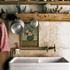 French country kitchens - Old French Country Farmhouse Kitchen 8 – French country kitchens French Country Kitchens, Country Kitchen Farmhouse, French Country House, French Cottage, French Farmhouse, French Country Decorating, Farmhouse Style, Country Sink, Kitchen Rustic
