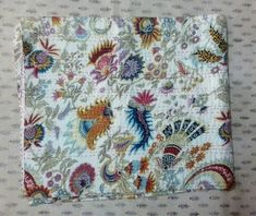 Little Stitch, Kantha Stitch, Quilted Bedspreads, Kantha Quilt, Embroidery Techniques, Quilt Making, Indian, Blanket, India Art
