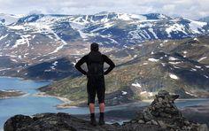 Fantastisk utsikt innover Jotunheimen frå toppen. Foto: Kjell Arne Berntsen