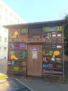 Street Art by Jace : Une bibliothèque envahie par les Gouzous !!