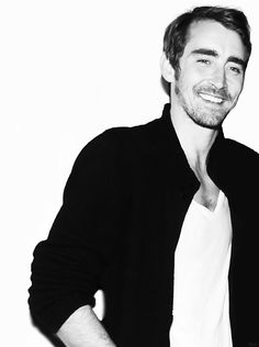 Lee Pace. Oh, my lovely pie-maker and fabulous wearer of elven head gear, what would I do without you?