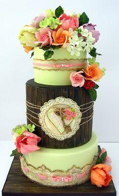 www.cakecoachonline.com - sharing...Wedding cake