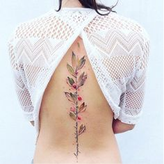 back flower watercolor discrete delicate tato tatto tattoo berries berry tree branche branches lyricks quote integrated