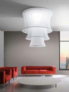 Axo Light heeft zijn populaire collectie Lightecture uitgebreid, o.a. met deze witte, transparante plafondlamp Euler. Meer info: www.axolight.it