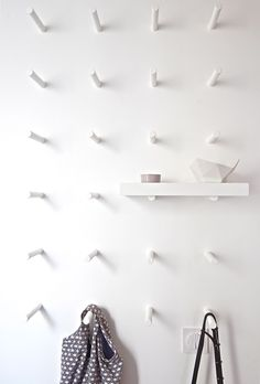 Peg wall