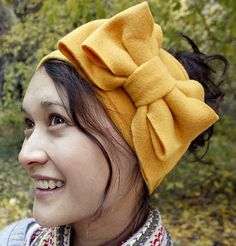 DIY fleece ear warmer  - something like this, without the bow - with pockets for ice packs / rice packs.... fitted headache headband that doesn't fall off?
