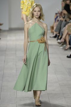Michael Kors Should Really Teach a Class on Spring Styling: For his Spring 2015 collection, Michael Kors didn't just give us a collection of wearable separates; he also gave us some serious lessons in styling.