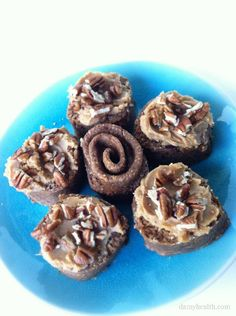 They are here! Raw Cinnamon Buns *This recipe is raw, gluten free, vegan, larabar-like, full of fiber, very easy and the best Raw Cinnamon Buns! www.damyhealth.co...