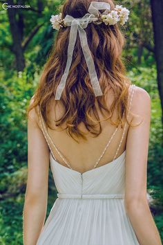 Chic details- removable pearl straps. www.chicnostalgiabridal.com