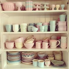 pastel+kitchen+cabinet+crockery+and+tableware A Retro Pastel Kitchen and Baking Dream