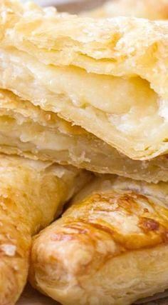 Lemon Cream Turnovers Recipe ~ This easy lemon cream turnover recipe uses only 6 ingredients, making them a quick and easy breakfast, snack or dessert! Lemon Desserts, Lemon Recipes, Sweet Desserts, Just Desserts, Sweet Recipes, Delicious Desserts, Breakfast Desayunos, Breakfast Recipes, Dessert Recipes