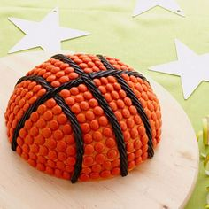 A domed cake will score big points with little sports fans. If there's no birthday on your family calendar this month, serve it up as a March Madness treat. Originally published in the March 2013 issue of FamilyFun magazine Creative Birthday Cakes, Birthday Fun, Birthday Parties, Birthday Ideas, Basketball Birthday, Basketball Party, Basketball Cakes, Basketball Stuff, Basketball Season