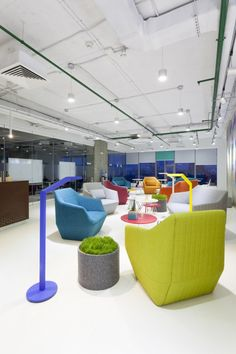 soesthetic group have developed the ukrainian offices for playtech a on line gaming application firm the designers description the office is positioned bp castrol office design 5