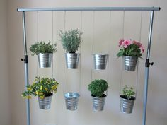Macetas on pinterest vertical gardens the broken pots - Jardin vertical artificial ikea ...