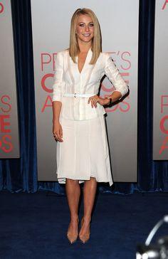 perfect all white feminie suit