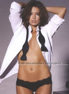 Aussie Actress Erin McNaught Sexy Photos for FHM Australia July 2009 Issue