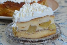 Tort cu mere si crema de zahar ars - CAIETUL CU RETETE Christmas Cookies, Cheesecake, Desserts, Food, Cook, Xmas Cookies, Meal, Christmas Crack, Cheesecakes