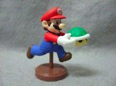 JAPAN Edition Toy  Nintendo SUPER MARIO Mini Figure - MARIO HOLDING KOOPA SHELL