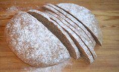 Onnellisen leipurin spelttileipä Leivinlaudalla blogista