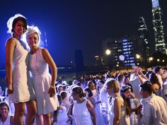 Exclusive! The co-hosts of Dîner en Blanc - Philadelphia sit down with Metro Philly about what to expect at the event's 5th anniversary!