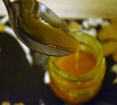 sundaymorning: maschera scrub purificante e astringente al limone e miele / honey and lemon mask