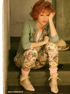 80s fashion - Molly ringwald!  floral pants  (generally brightly colored printed pants) however ringwald normally was used to depict an lower middle class kid who was attempting to fit in with the styles, so the clothes were more toned down Molly Ringwald, Printed Pants, Pink Fashion, Ladies Fashion, Women's Fashion, Vintage Fashion, Fashion Ideas, 1980s Style Outfits, Throwback Outfits