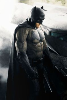 "Close-up colorized version teaser image of Ben Affleck as the new Caped Crusader in Zack Snyder's ""Batman vs. Superman: Dawn of Justice"". Batman Vs Superman, New Batman Suit, Superman Dawn Of Justice, The New Batman, Superman Movies, I Am Batman, Batman Poster, Batman The Dark Knight, Marvel Comics"