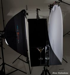 Lighting-setup-product-photography-glass-on-black-1