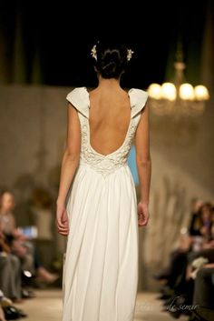 Perfecta espalda para invitada y novia