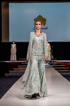 http://www.fashioncentral.pk/wp-content/uploads/2017/03/ELAN-Pakistan-Day-Collection-BERLIN-2017-12.jpg