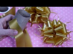 DIY Gift Bow - YouTube Diy Arts And Crafts, Xmas Crafts, Paper Crafts, Money Bouquet, Paper Puppets, Gift Bows, Christmas Bows, Gift Hampers, Balloon Decorations