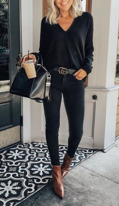 Casual winter outfits for women, trendy outfits, casual outfits . - Casual winter outfits for women, trendy outfits, casual outfits # businesscasua # - Winter Outfits Women, Winter Outfits For Work, Winter Fashion Outfits, Look Fashion, Fall Outfits, Women's Fashion, Fashion 1920s, Classy Winter Outfits, Fashion Blouses