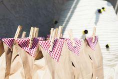 Ideas Bumblebee la fiesta de cumpleaños de la comida campestre | Foto 1 de 42 | Catch My Party
