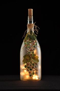 Empty Wine Bottles, Wine Bottle Corks, Glass Bottle Crafts, Painted Wine Bottles, Lighted Wine Bottles, Diy Bottle, Bottle Lights, Decorated Wine Bottles, Glass Bottles