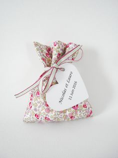 Ballotin Mariage - Sur commande - Tissu Liberty Eloïse rose - Entièrement personnalisable - ruban - Sachet à dragées
