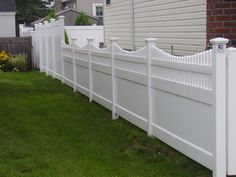 Infinity with Saturn Scallop picket top PVC fence, and Infinity Solid PVC privacy fence in rear. Fabricated and installed by Liberty Fence & Railing. Vinyl Picket Fence, White Vinyl Fence, Vinyl Privacy Fence, Privacy Fence Designs, Vinyl Fencing, Privacy Fences, Fence Landscaping, Backyard Fences, Fenced In Yard